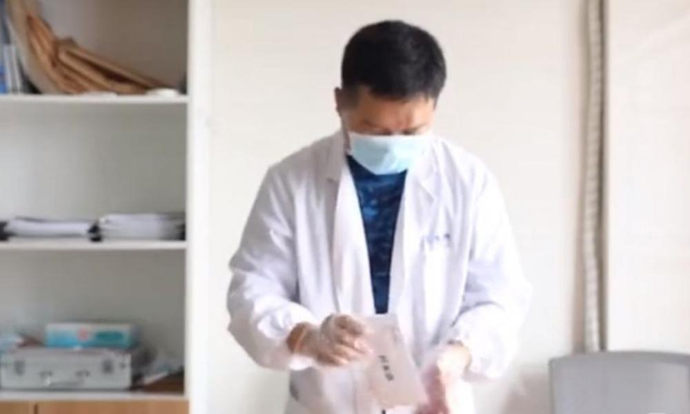 Cô gái yêu cầu 5 người đàn ông xét nghiệm ADN để tìm cha cho con