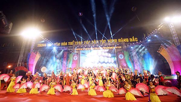 Rực rỡ sắc màu văn hoá các dân tộc vùng Đông Bắc