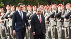 Thủ tướng Áo đón Thủ tướng Nguyễn Xuân Phúc