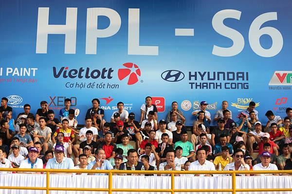 V-League ghen tỵ, thèm thuồng làm được như... giải 'phủi' Hà Nội
