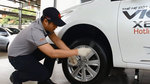 Hướng dẫn thay lốp dự phòng ôtô dễ như 'trở bàn tay'
