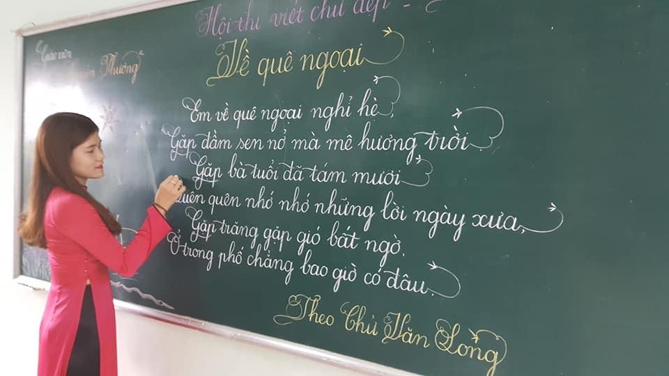 18 bài thi viết chữ đẹp của các cô giáo khiến dân mạng sục sôi