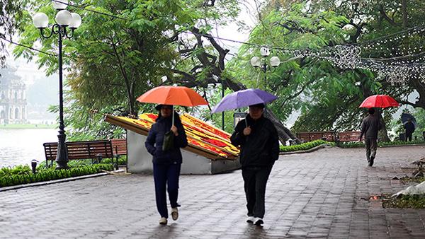 Thời tiết Hà Nội 5 ngày tới: Mưa rào, sáng sớm trời lạnh