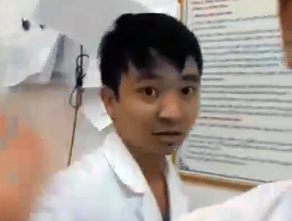 Thực hư chuyện bác sĩ tát người nhà bệnh nhân trong phòng cấp cứu