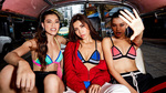 Minh Tú cùng học trò diện bikini ra chợ