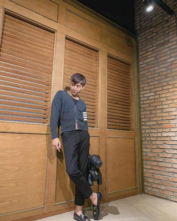 Tin Sao Việt ngày 17/10: Trường Giang hứa tiết lộ toàn bộ ảnh trăng mật với Nhã Phương