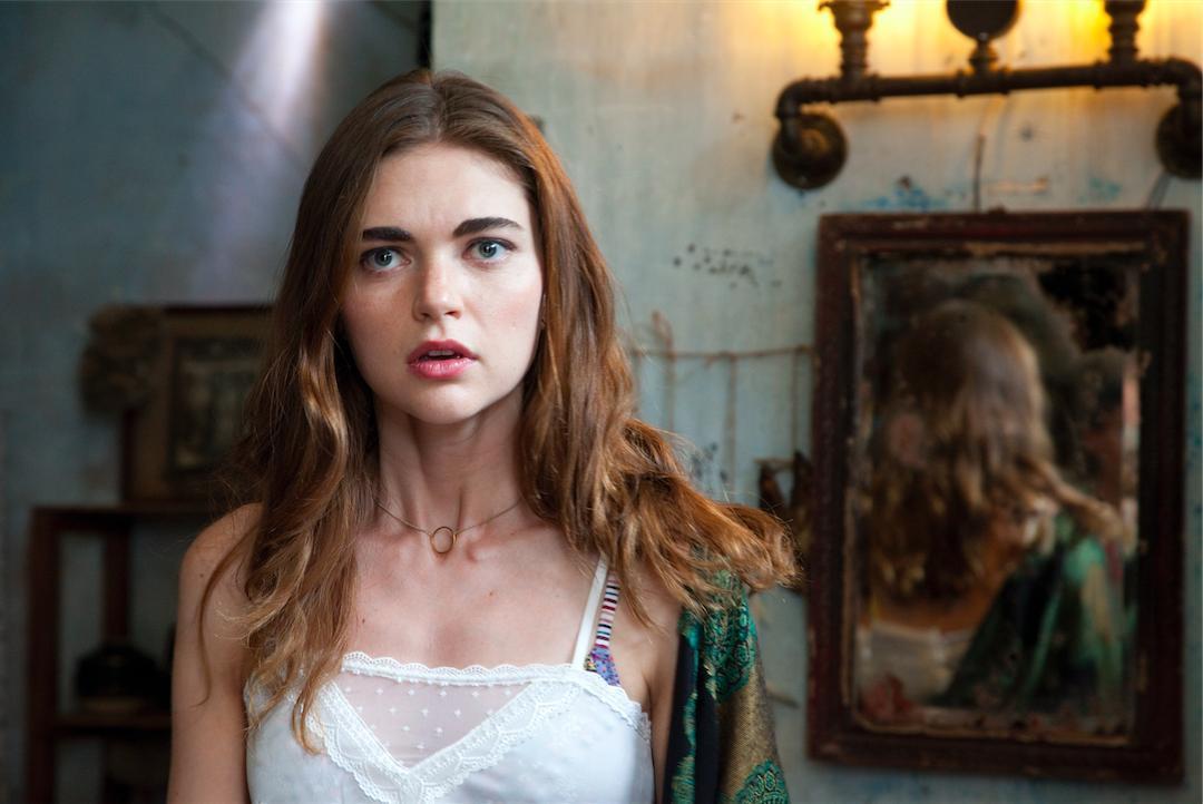 Phim kinh dị 'Người tình quỷ ám' khiến khán giả rợn tóc gáy