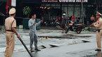 Nổ súng khống chế kẻ cầm dao chém loạn xạ người đi đường