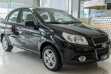 Ô tô sedan hạng B rẻ nhất Việt Nam 379 triệu: Đua giảm giá xuống đáy