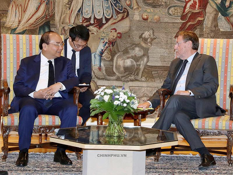 Thủ tướng nói chuyện với bà con kiều bào tại Bỉ về tin mừng EVFTA