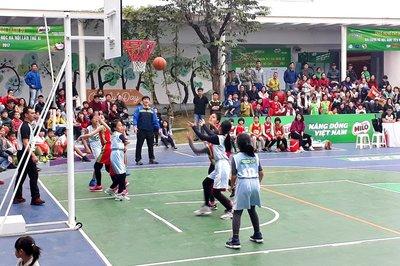88 trường tranh tài ởgiải bóng rổ Học sinh tiểu học Hà Nội 2018