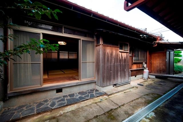 Ngắm căn nhà gỗ đẹp hút hồn từ thế kỷ trước