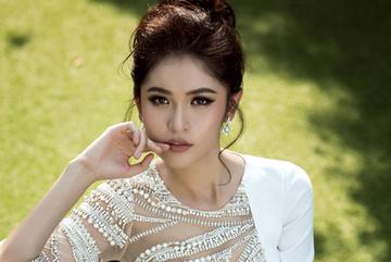 Á hậu Thùy Dung tiết lộ nguyên nhân từ chối Facebook