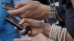 Mê tin nhắn sex, huấn luyện viên thể hình mất cả trăm triệu đồng