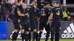 Rooney lập siêu phẩm sút phạt trên đất Mỹ