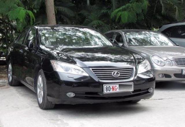 xe ngoại giao,Bộ Ngoại giao,suất ngoại giao,xe sang,xe siêu sang,siêu xe