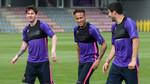 MU hủy kèo lớn vì Mourinho, Barca bỏ phiếu