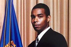 Cựu đặc vụ FBI lĩnh án tù vì tiết lộ bí mật cho báo chí