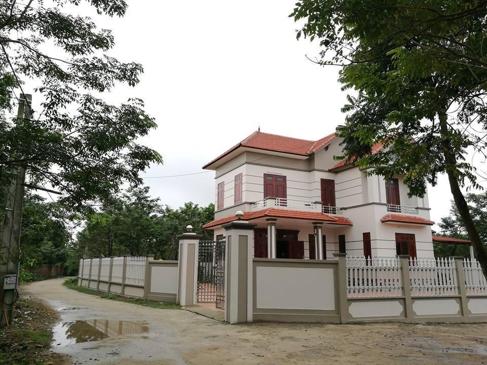 Thủ phủ sưa đỏ: Cả làng xây biệt thự, đua nhau sắm ô tô Lang-sua-do-1