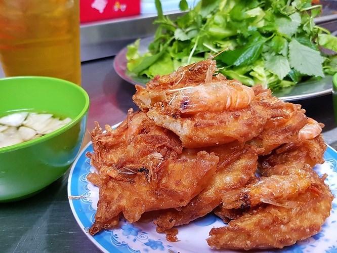 'Càn quét' ngõ Đồng Xuân - Khu ẩm thực giá rẻ ngon nức tiếng Hà thành