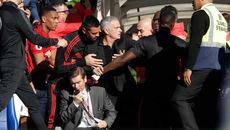 MU hòa tiếc nuối Chelsea: Đây, tôi là Mourinho!