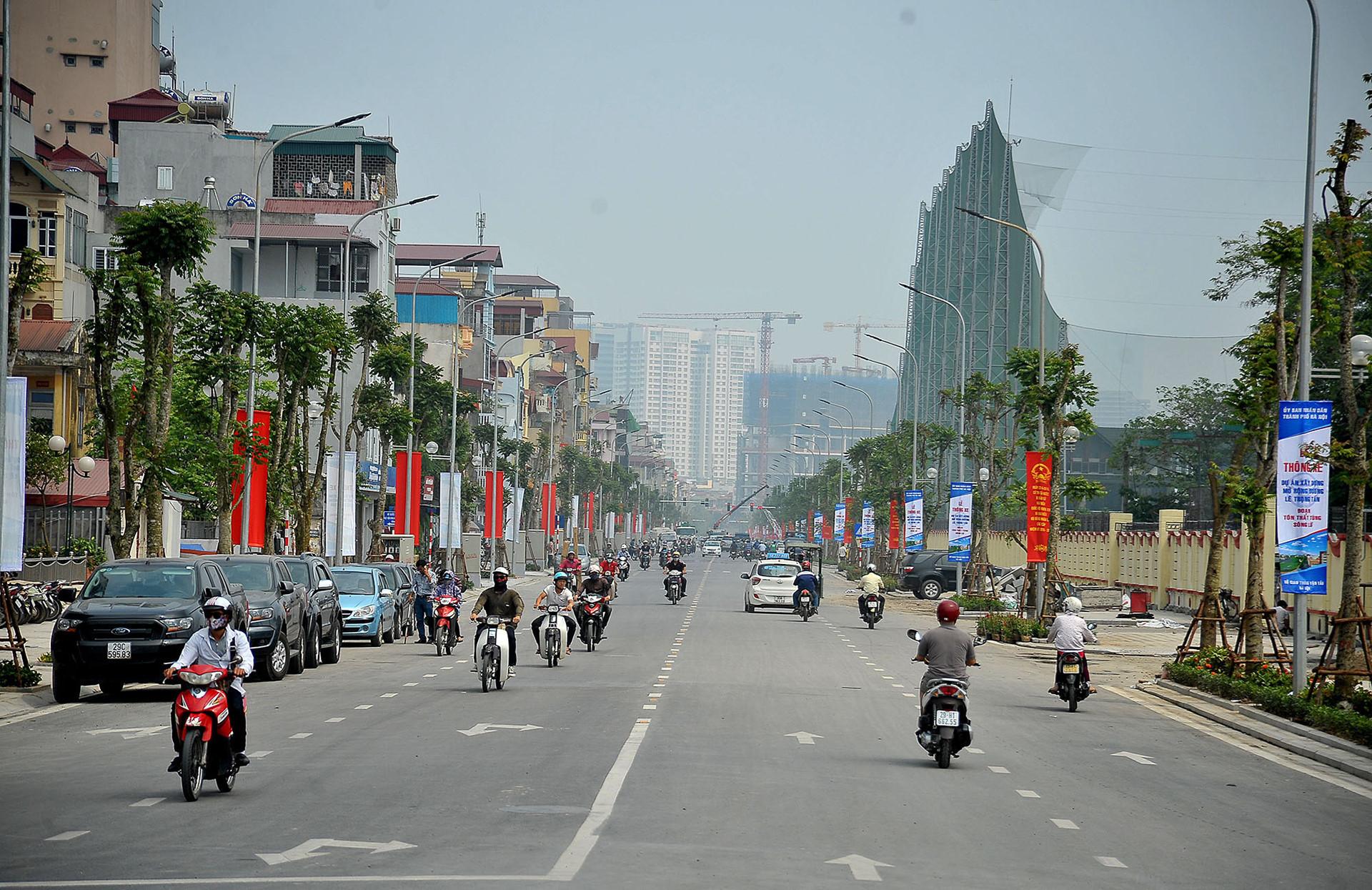 Mô hình 'đồng phục' biển hiệu ở Hà Nội thất bại sau 2 năm thử nghiệm