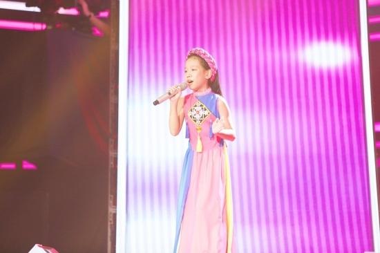 'Tiểu Thuỳ Chi' đốn tim Cát Tường - Soobin với giọng hát ngọt ngào