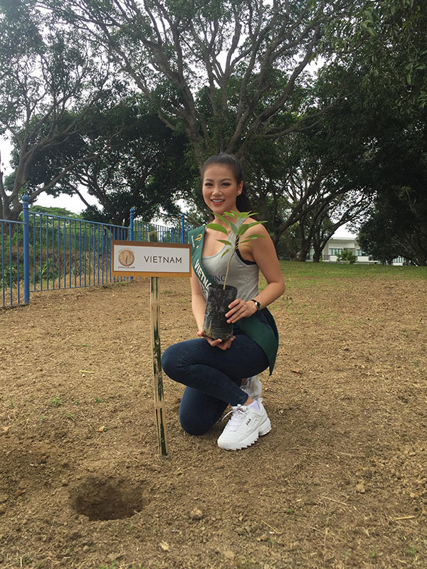 Đại diện Việt Nam giành Huy chương Bạc thi áo tắm ở Hoa hậu Trái đất