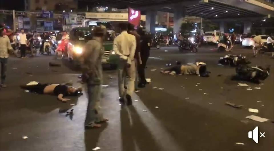 Hiện trường người và xe nằm la liệt sau cú tông của nữ tài xế BMW