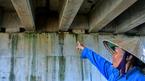 Mưa làm cao tốc 34.000 tỷ dột, lộ cả bẹ chuối dưới gầm cầu