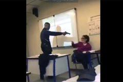 Học sinh dùng súng đe dọa giáo viên, nước Pháp rúng động