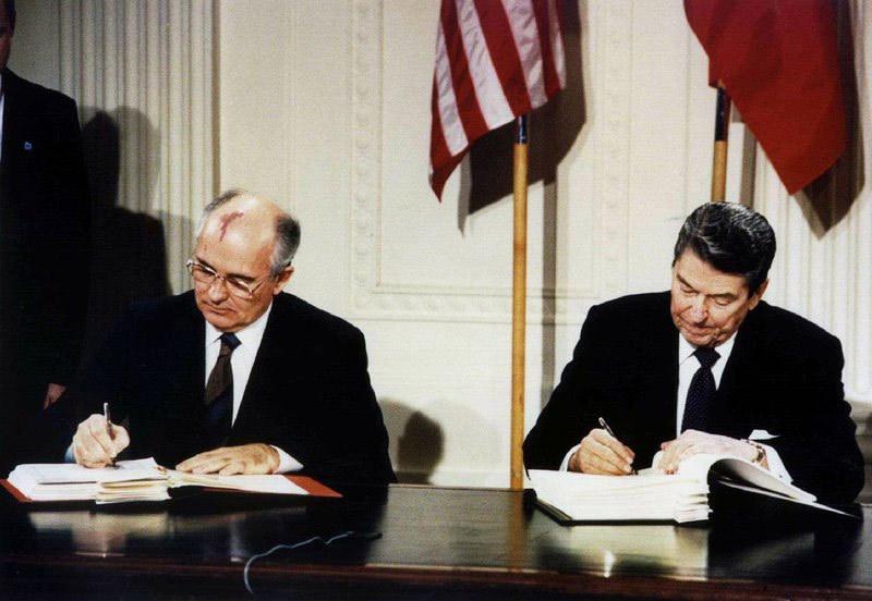 Mỹ,Nga,Trump,Gorbachev,Putin,hiệp ước hạt nhân Nga - Mỹ