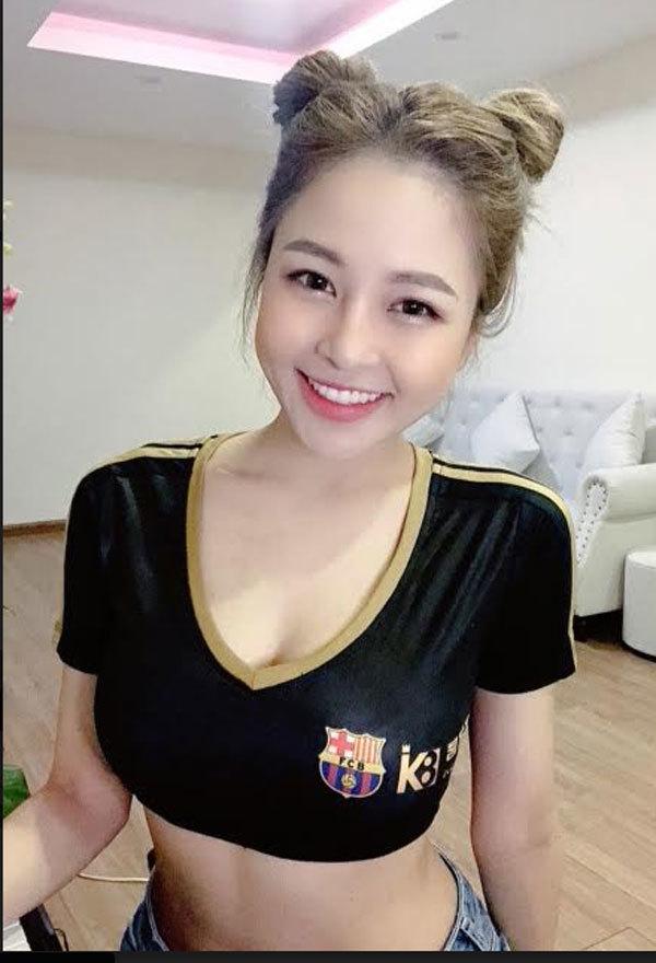 Những hotgirl hâm mộ cuồng nhiệt Barcelona và Messi