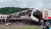 Hiện trường tai nạn đường sắt thảm khốc ở Đài Loan