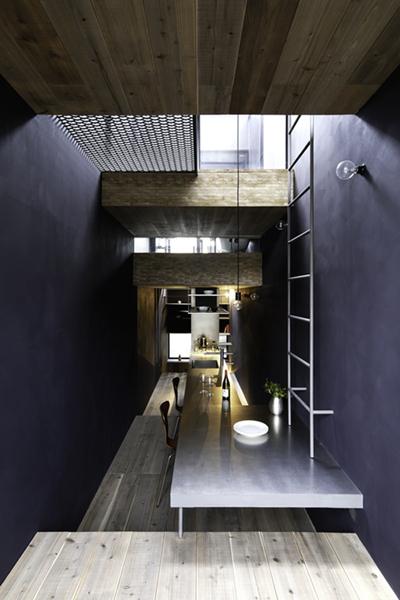 Ngôi nhà,đầy đủ tiện nghi,không gian thoải mái,chật như lỗ mũi