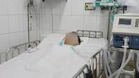 Vụ tai nạn liên hoàn tại Hàng Xanh: Mẹ bay vào Nam trong đêm, cha nghẹn ngào khi con mới đi làm đã gặp nạn