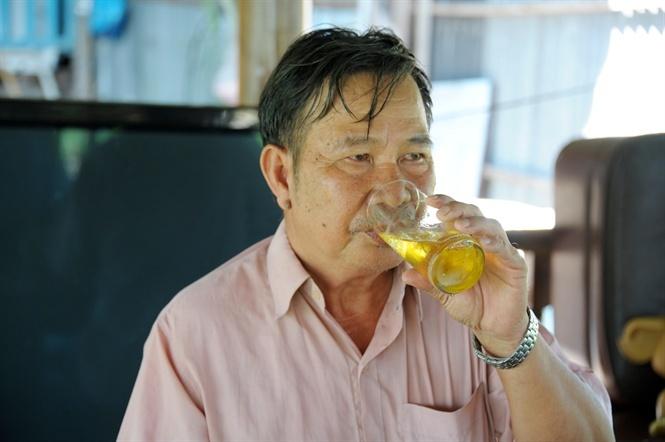 'Tay chơi' U70 An Giang chi tiền dụ đàn cá tra quý hiếm về để ngắm
