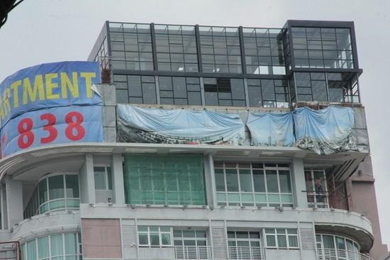 Dân chơi Sài Gòn đốt tiền, ùn ùn kéo nhau lên nóc nhà