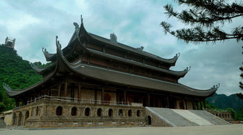 Chùa Tam Chúc đặt thiên thạch 14 tỷ để hút du khách