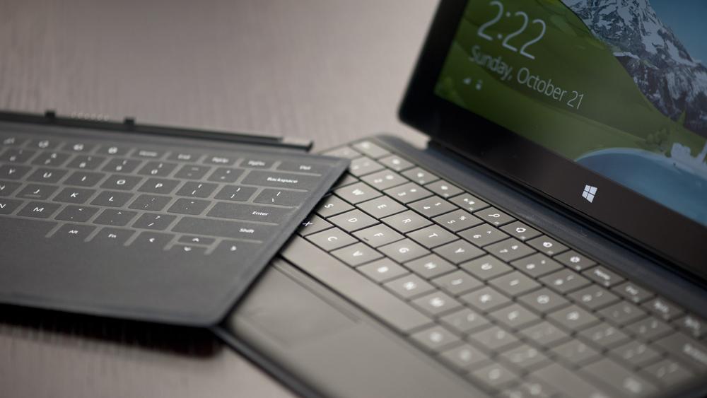 Vì sao Surface nứt màn hình, liệt cảm ứng vẫn được săn đón?