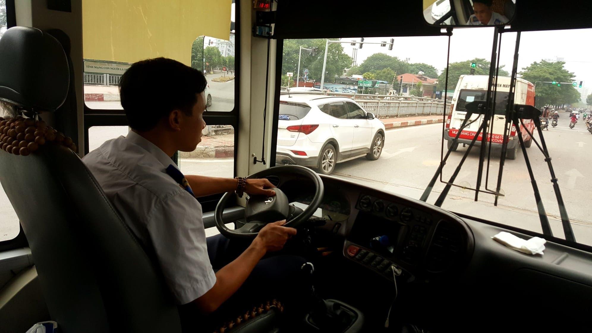 Phụ xe,Xe buýt,Góc khuất nghề