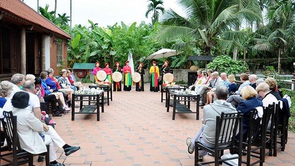 Về Đông Triều lễ Phật, thưởng ngoạn cảnh quê
