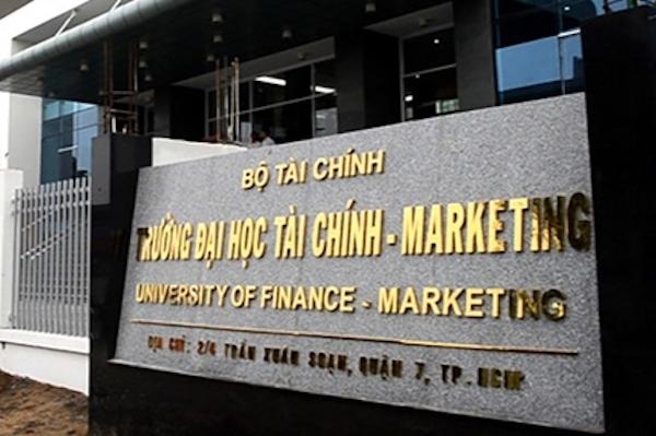 Trường đại học cấm sinh viên mặc áo thun không cổ, cạo đầu đến trường