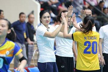 Hoa khôi Kim Huệ thi đấu trở lại ở tuổi 36