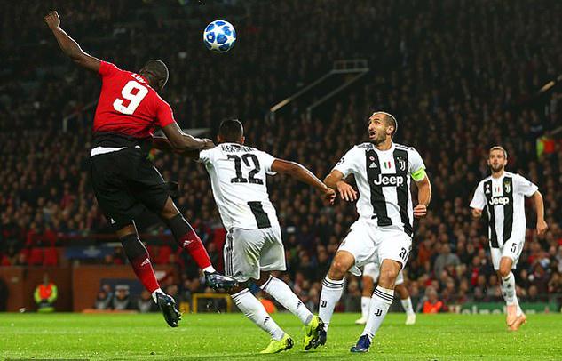 Mourinho nói gì về phong độ cực tệ của Lukaku?