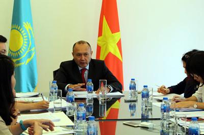 Kazakhstan muốn đẩy mạnh hợp tác thương mại với VN