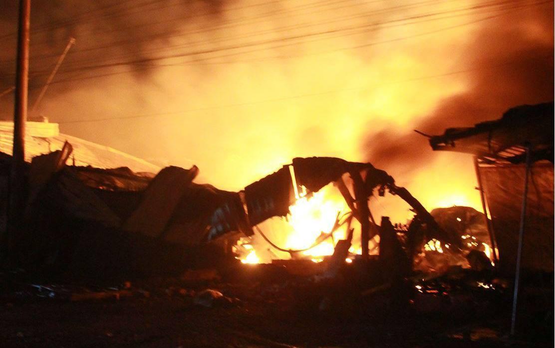 Cháy lớn ở 'thủ phủ' nghề mộc, lửa bao trùm cả một vùng