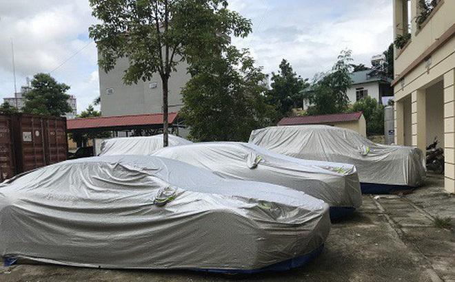 Chuyện khó tin: Dàn siêu xe bị 'bỏ rơi' bên đường ở Bắc Kạn