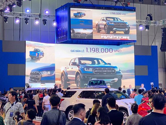 'Lỗi đánh máy' khiến Ford Raptor 2018 rẻ hơn xe đạp ở Việt Nam