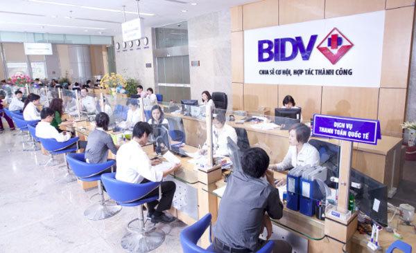 Hơn 1000 địa điểm thu đổi ngoại tệ của BIDV